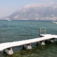 Bottines de glaces sous un ponton / Sevrier / Lac d'Annecy